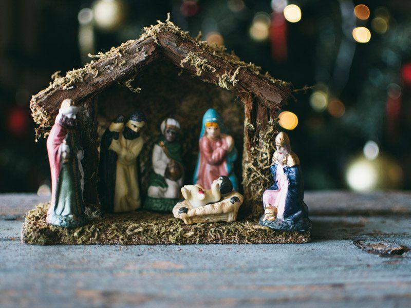 Nacimiento de Navidad en familia